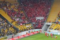 Redebedarf nach dem Spiel in Dresden: Spieler des 1. FC Union Berlin bei ihren Fans