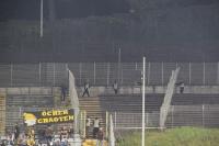 Öcher Chaoten versuchter Fahnenklau in Wuppertal