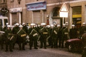 Polizeiliche Einsatzkräfte Anfang der 90er