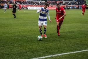 Spielszenen Bielefeld  in Duisburg