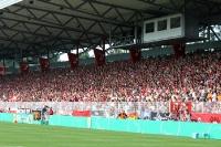 Union-Fans auf der Geraden