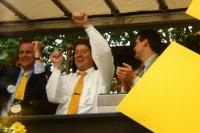 Toni Schumacher feiert den Meistertitel mit Borussia Dortmund