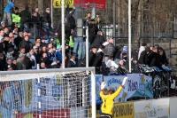 Die Luft ist heiß. Ein paar Anhänger des Chemnitzer FC suchen die Konfrontation mit Babelsbergern