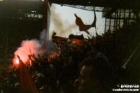 Fans von Eintracht Frankfurt bei Borussia Dortmund im Westfalenstadion, Old School Anfang der 90er