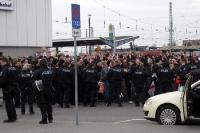 Fans des FC St. Pauli am Cottbus Hbf