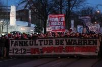 Marsch der Fans von Union Berlin und Kaiserslautern