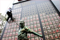 Franck Ribery als Bronzestatue in Berlin