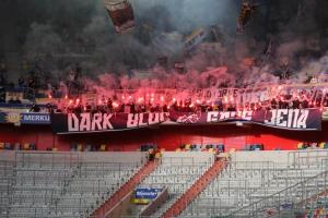 Jena Ultras Pyroshow in Düsseldorf gegen Krefeld