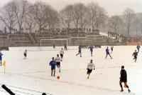 Der FC Hansa Rostock II im tiefsten Winter und bei hohem Schnee beim BFC Dynamo, 2000/01