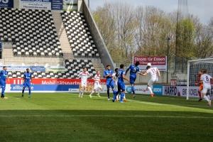 Simon Engelmann Rot-Weiss Essen gegen Schalke 04 II Spielszenen 03-04-2021