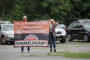 St. Pauli Fahne: Fanmeldeamt