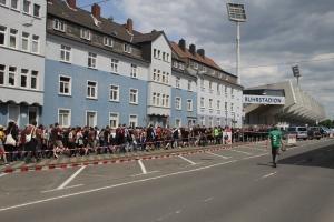 St Pauli Fans in Bochum: Marsch zum Stadion 2017