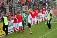Mannschaft des FSV Zwickau beim Abklatschen