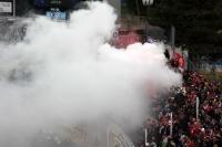 Rauch im Zwickauer Block beim FC Carl Zeiss Jena