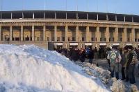 Schneehaufen vor dem Berliner Olympiastadion