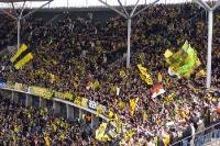 Fans des BVB 09 im Berliner Olympiastadion