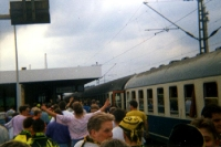 Fußballsonderzug mit BVB-09-Fans kommt an...