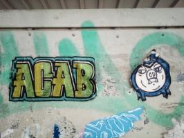ACAB Aufkleber am Jahnstadion