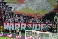 Blockfahne beim Spiel Pogon Szczecin vs. Legia Warszawa