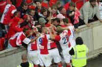 Emotionaler Torjubel nach dem 1:0-Treffer des SK Slavia gegen Sparta Praha