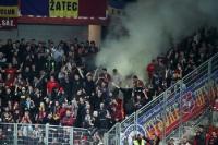 grauer Rauch im Block von Sparta Praha