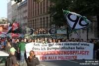 Anhänger von Hannover 96 auf der Fandemo in Berlin