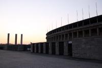 Die Ruhe vor dem Sturm: Das Berliner Olympiastadion im Abendlicht