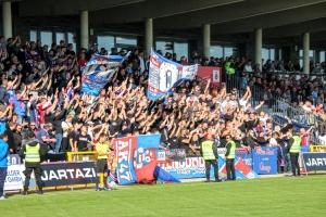 KFC Uerdingen Fans im Spiel gegen RWE Spielfotos 09-10-2021