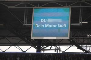 Auto an gelassen, Anzeigentafel Duisburg