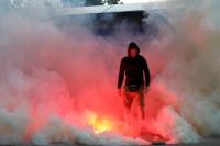 Pyrotechnik am Rande eines Testspiels