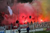 Pyrotechnik im Block des FC St. Pauli in Babelsberg