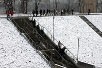 Zuschauer auf dem Weg zur Red Bull Arena Leipzig