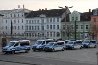 Schwerin am frühen Morgen, Vorbereitungen für die Fahrt zur Rostocker Fandemo in Hamburg