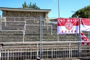 RWE Zaunfahnen BVB U23 gegen RWE 20-09-2020