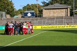 RWE Mannschaft nach Schlußpfiff in Dortmund 20-09-2020