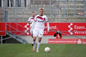 Cedric Harenbrock Rot-Weiss Essen vs. FC Wegberg Beek Spielfotos 19-12-2020
