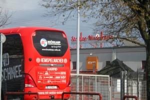 Mannschaftsbus Rot-Weiss Essen  Stadion Niederrhein 27-03-2021