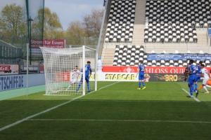 Maximilian Pronichev Torjubel Rot-Weiss Essen gegen Schalke 04 II Spielszenen 03-04-2021