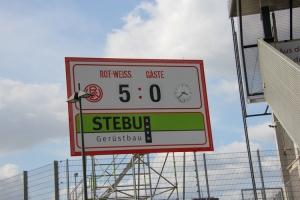 Anzeigentafel Stadion Essen 5:0 Rot-Weiss Essen gegen Schalke 04 II