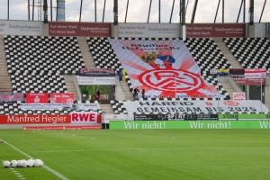 Fahnen Rot-Weiss Essen vs. Sportfreunde Lotte 27-05-2021 Spielszenen