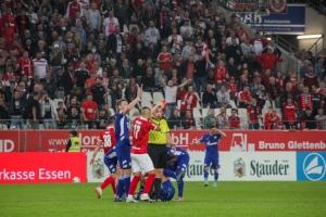 Rot-Weiss Essen Fans im Spiel gegen Schalke 04 U23 17-09-2021