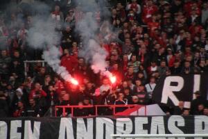 Pyro zum Gedenken an die Verstorbenen Rot-Weiss Essen vs. SC Wiedenbrück 16-10-2021