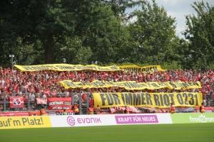 Essen Fans Solidarität mit Riot 0231