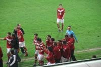 Essener Spieler bejubeln das 2:0 in Krefeld 2012