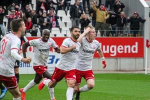 Oguzhan Kefkir Torjubel Siegtreffer RWE gegen RWO