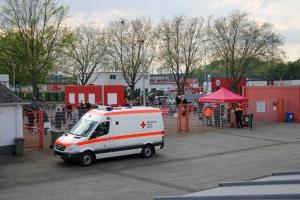 Fans vor dem Stadion bei RWO gegen RWE Niederrheinpokal Viertelfinale 12-05-2021