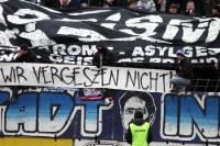 Rassismus tötet Blockfahne im Babelsberger Block