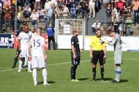 Strafstoß für Babelsberg 03! VfL-Keeper Nils Zumbeel testet den Ball