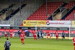 Robert Tesche Tor FC Heidenheim - VfL Bochum 21-04-2021 Spielszenen