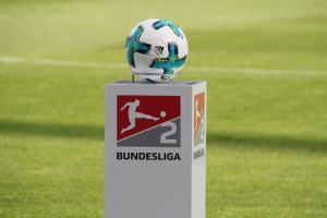 2. Bundesliga Spielball Podest